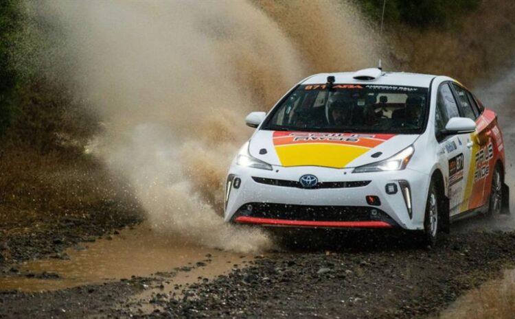 گرد و خاک تویوتا پریوس در مسابقات رالی